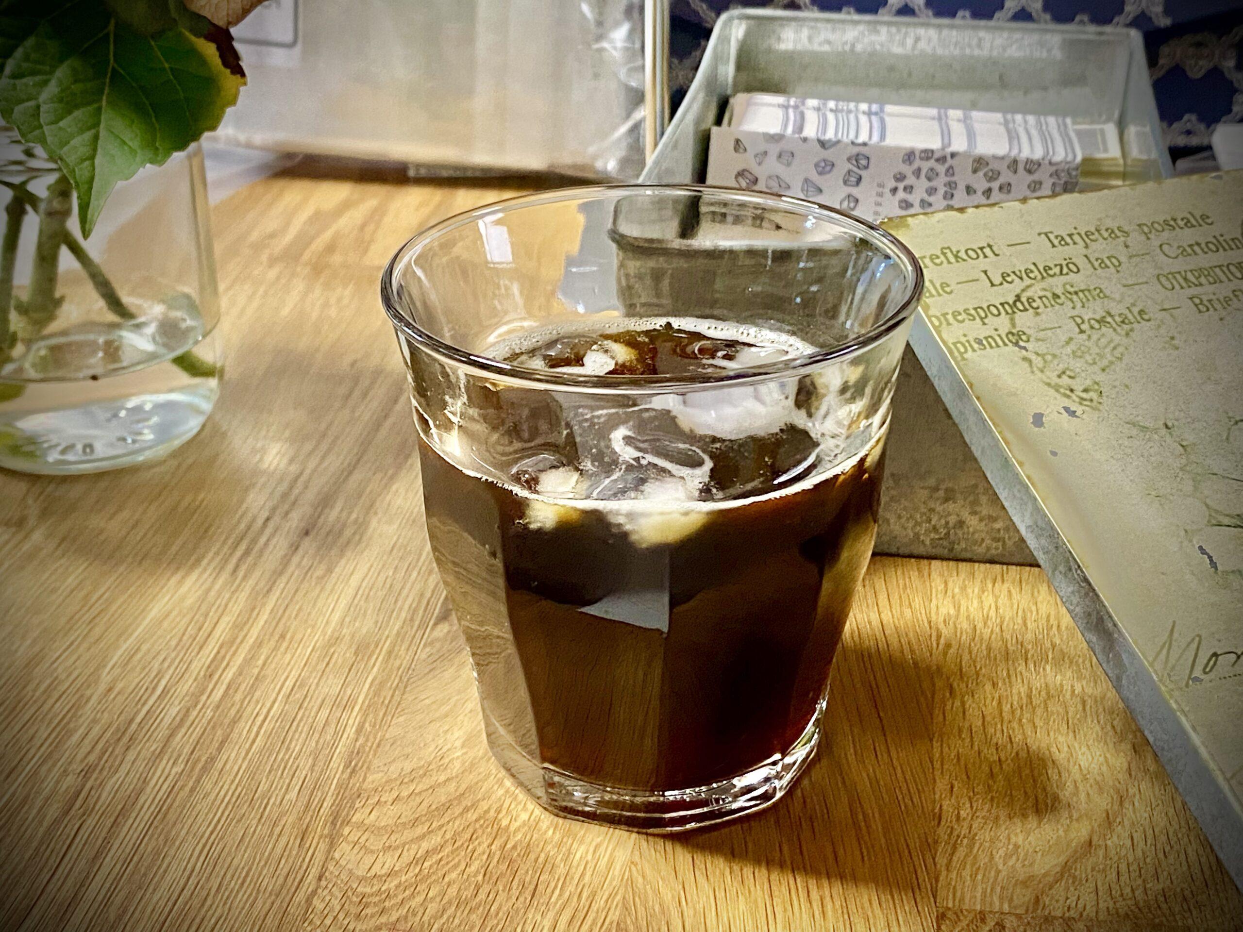 カラカラの身体が、このアイスコーヒーを飲めば心まで潤う!